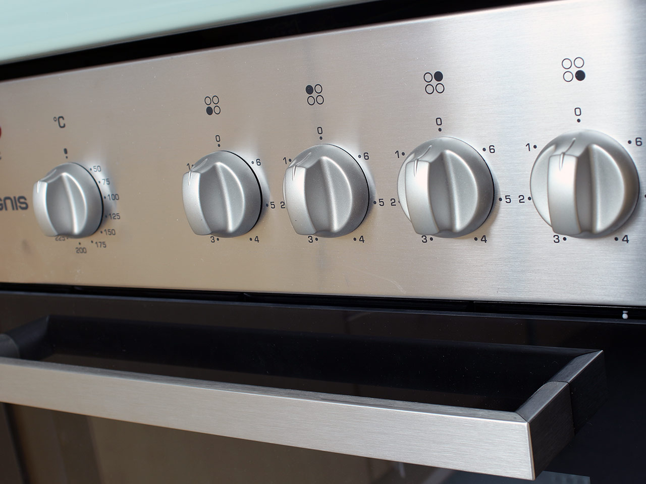 ignis aks 2010 ix einbau herdset ober unterhitze umluft grill mit glaskeramik ebay. Black Bedroom Furniture Sets. Home Design Ideas